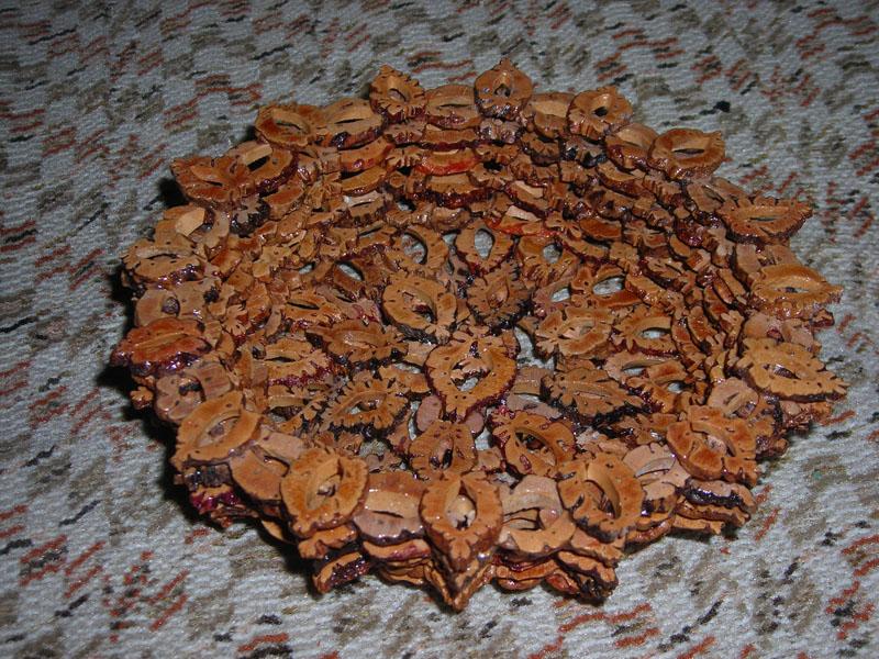 Поделки из косточек от персика